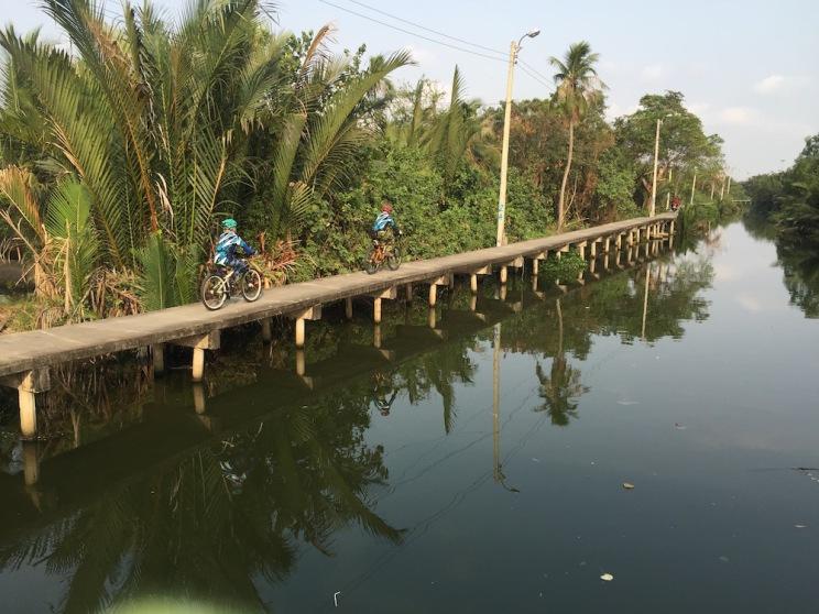 cycling-along-six-canal-2
